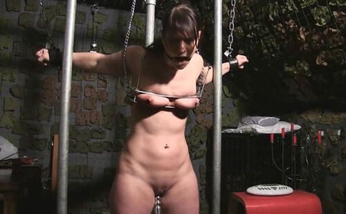 Heavy%20Steel%20Restraints%20Torture%20Session_m.jpg