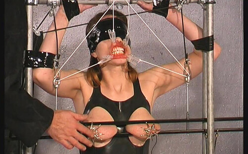 More-Tit-Torture-in-Rubber-for-Slave-Eve-bip163_m.jpg